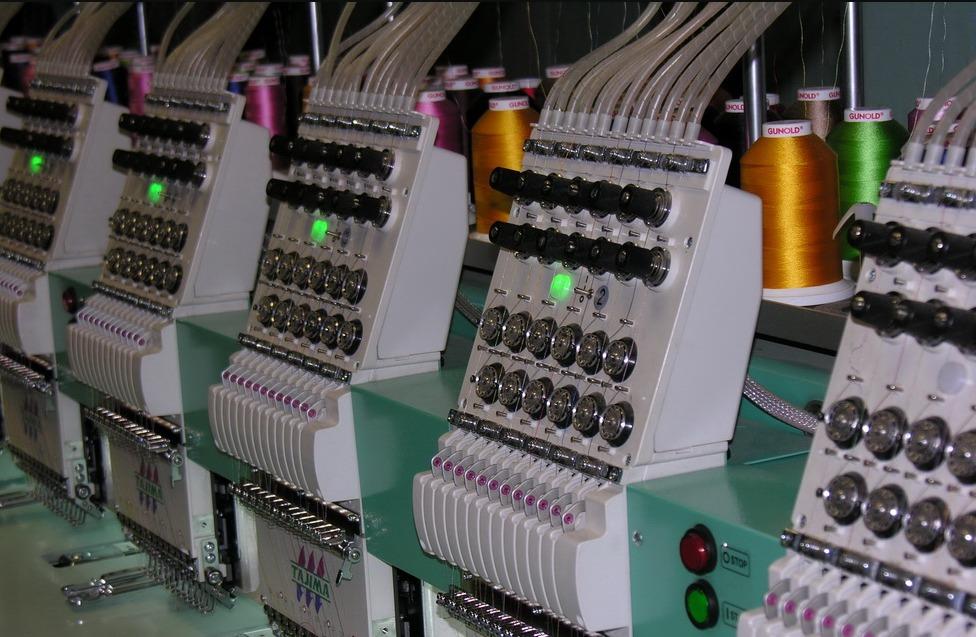 Это интересно: как делается машинная вышивка на одежде
